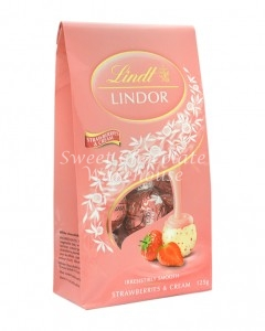lindt-lindor-strawberries-and-cream-125g